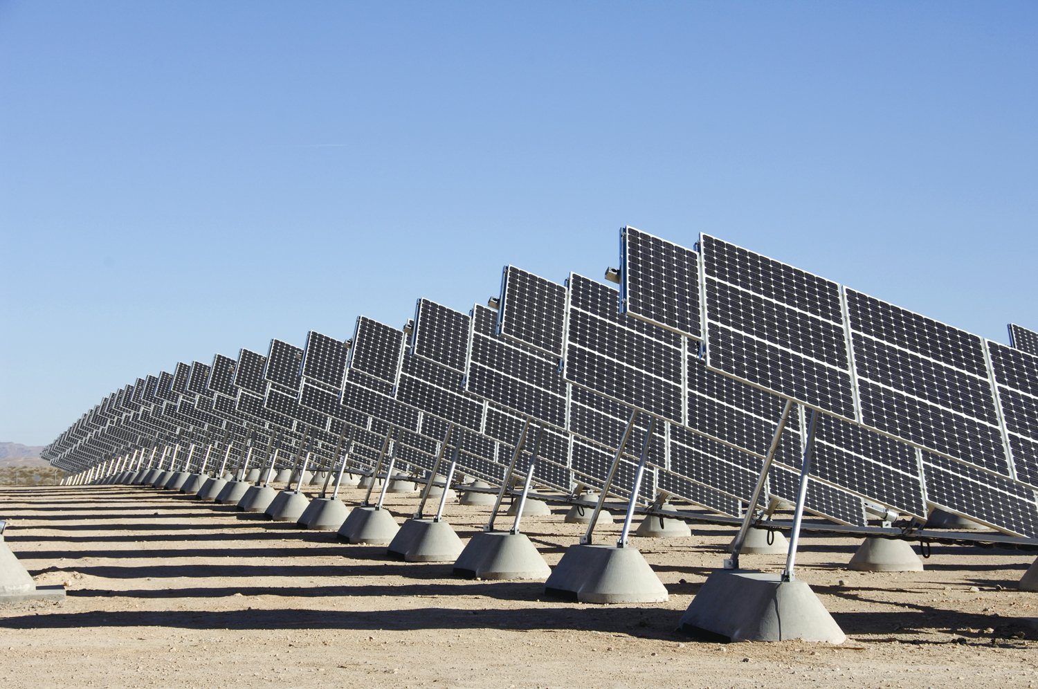 KIRTLAND AIR FORCE BASE, N.M. -- Sandia National Laboratories recently gave a glimpse of future uses of solar power.