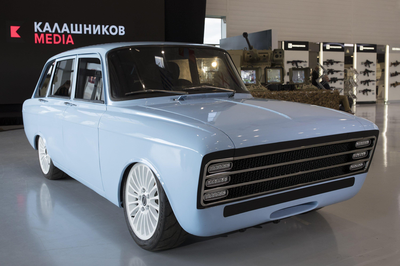 The new CV-1 by Kalashnikov  is unique in its design, borrowing from an 1970 Soviet hatchback. Image: Kalashnikov