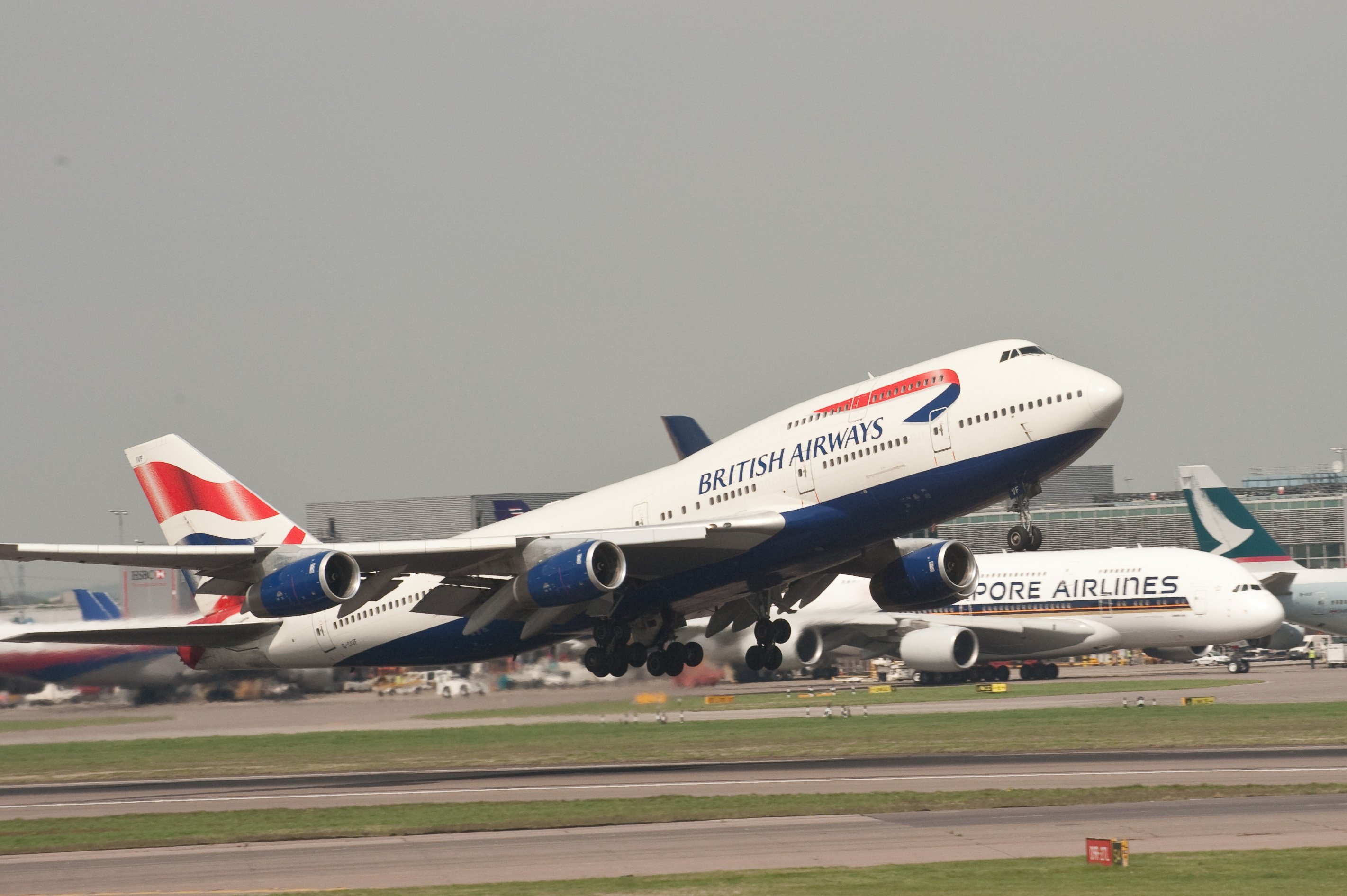 Could the Heathrow expansion be good for business? The airport could serve 10s of millions additional passengers and thousands of cargo flights a year after expansion. Image: Wikimedia commons.